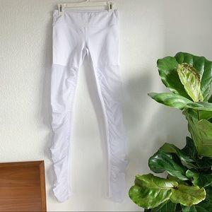 Alo White Yoga pants sz M